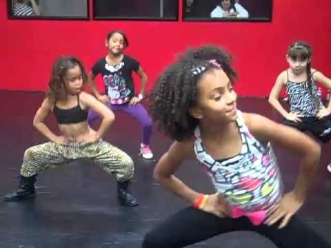 """Charlize Glass & Asia Ray - """"Thriller"""" by Michael Jackson Choreography"""