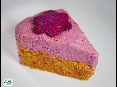 Torta di Carota con Glassa Rosa Raw Tag: veg vegetarian raw food crudiste crudismo dolce dessert cake dolce dessert vegetale ATTREZZATURA mixer, forma a cern...