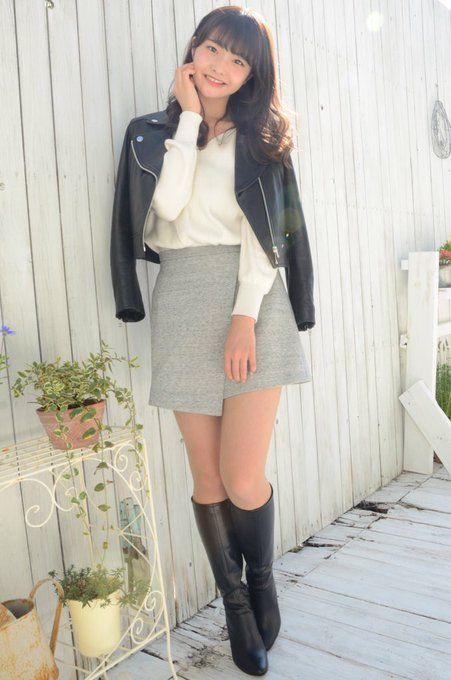 マッシー on Twitter | East fashion, Skirts with boots, Mini skirts
