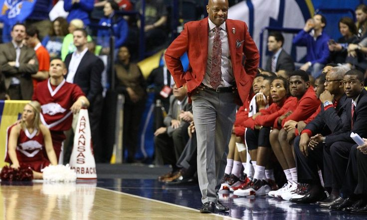 Arkansas' Anderson might save his job on recruiting trail = From an overall standpoint, Mike Anderson has an incredibly impressive coaching resume. Between three different programs over the course of 14 seasons, he has taken teams to six NCAA Tournaments, with one of those being.....