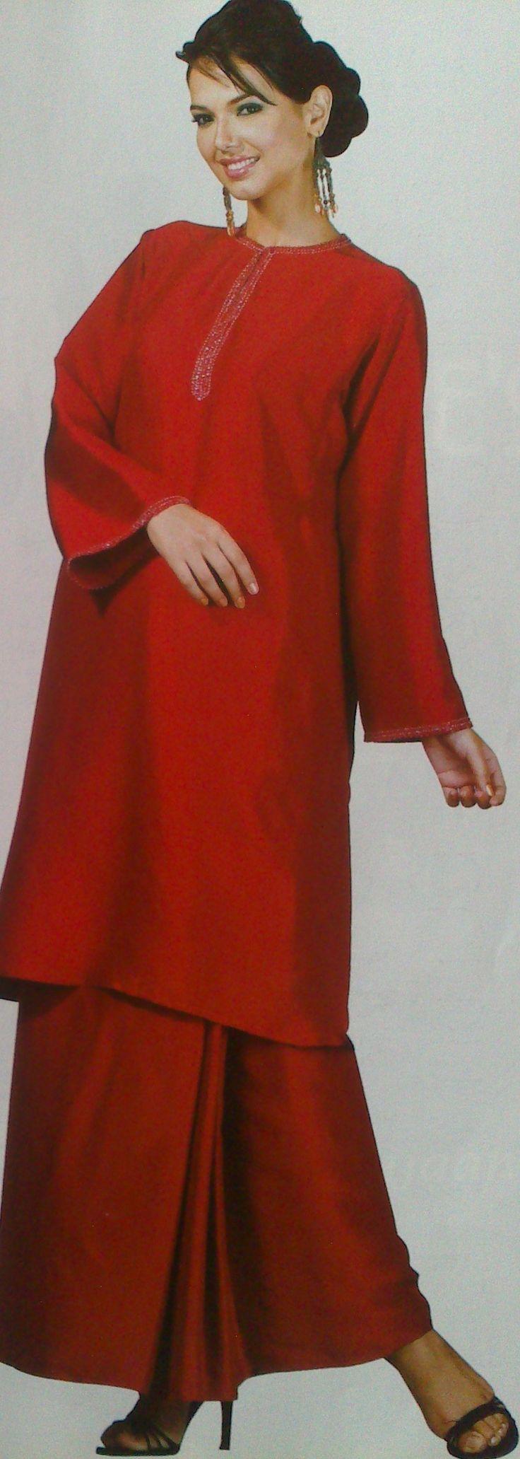 baju kurung sutera merah I by Rizalman