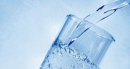 A hévízi gyógyvíz ivókúra formájában egyes emésztőrendszeri panaszok, a gyomorsav alul- vagy túlműködése, de még légúti hurutok esetén is hatékony lehet. Két nyilvános ivókút is található az üdülőhelyen.