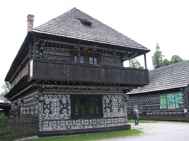 Čičmany: Slovakia's painted village | Slavorum