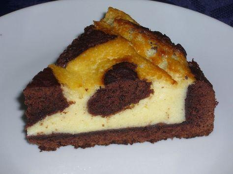 Un gâteau allemand le Russischer Zupfkuchen qui a fait l'unanimité à la maison. C'est un gâteau a base de pâte sablée levée au cacao et sa crème au fromage blanc. http://www.teafolie.fr/archives/2012/11/03/25457447.html