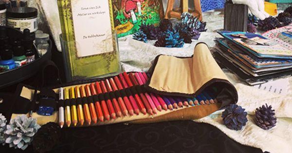 Tekenen is leuk!! En tekenen met GRATIS kleurpotloden is nog veel leuker... MARTINUS wil iedereen aan het tekenen krijgen en geeft daarom een luxe set kleurpotloden weg. 48 Aquarel kleurpotloden van hoge kwaliteit + roletui + gum + puntenslijper + kwastje. Inschrijven is kans maken!!!