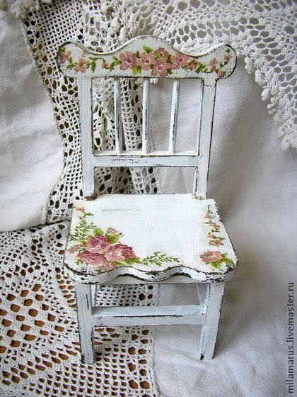 """cadeira Silla pintada y decorada con papel pegado (""""decoupage"""")"""