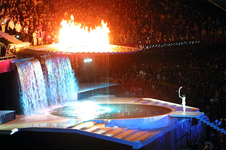 Sydney 2000: the Olympic flame is lit