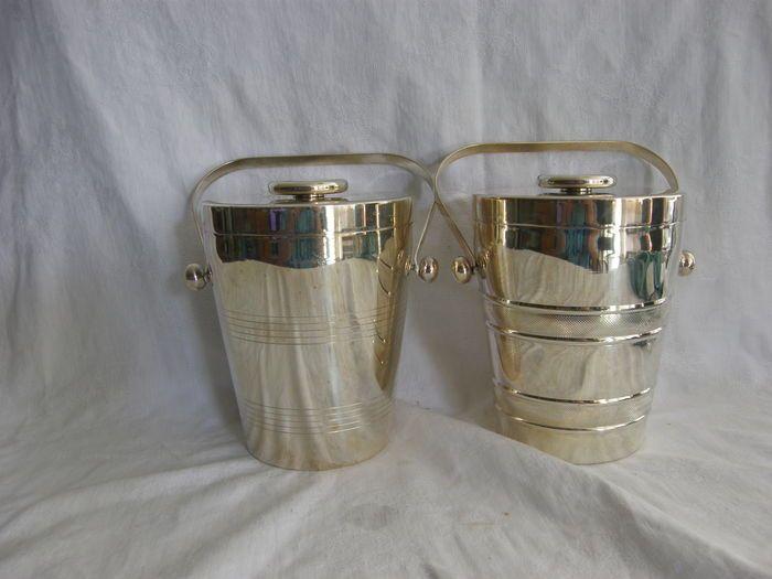 Online veilinghuis Catawiki: Twee verzilverde wijnkoelers of ijsemmers, voorzien van keramieken binnenbak