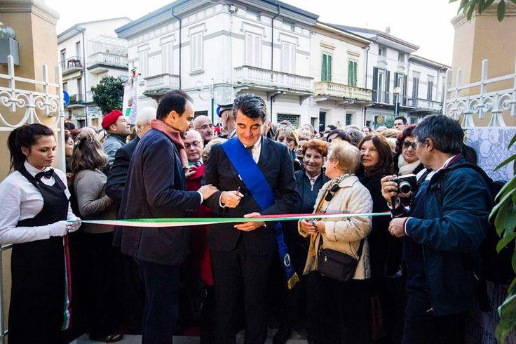 Il taglio del nastro del Presidente della Provincia di #Lucca nel giorno della riapertura di #VillArgentina a #Viareggio