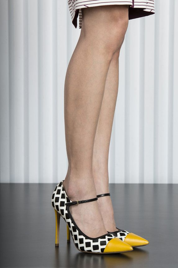 Etro Black, White and Yellow Pumps Resort 2015 #Shoes #Heels