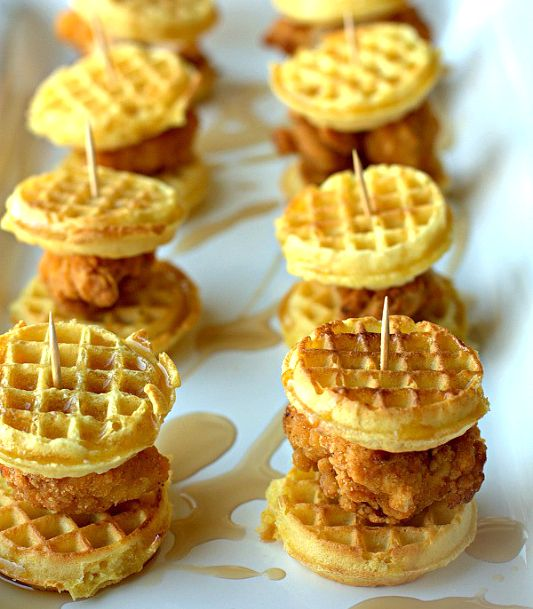 Mini Waffles + Chicken Nuggets + Syrup = #ChickenAndWaffle Sliders // FoodFolksAndFun.net- #Sliders #Brunch