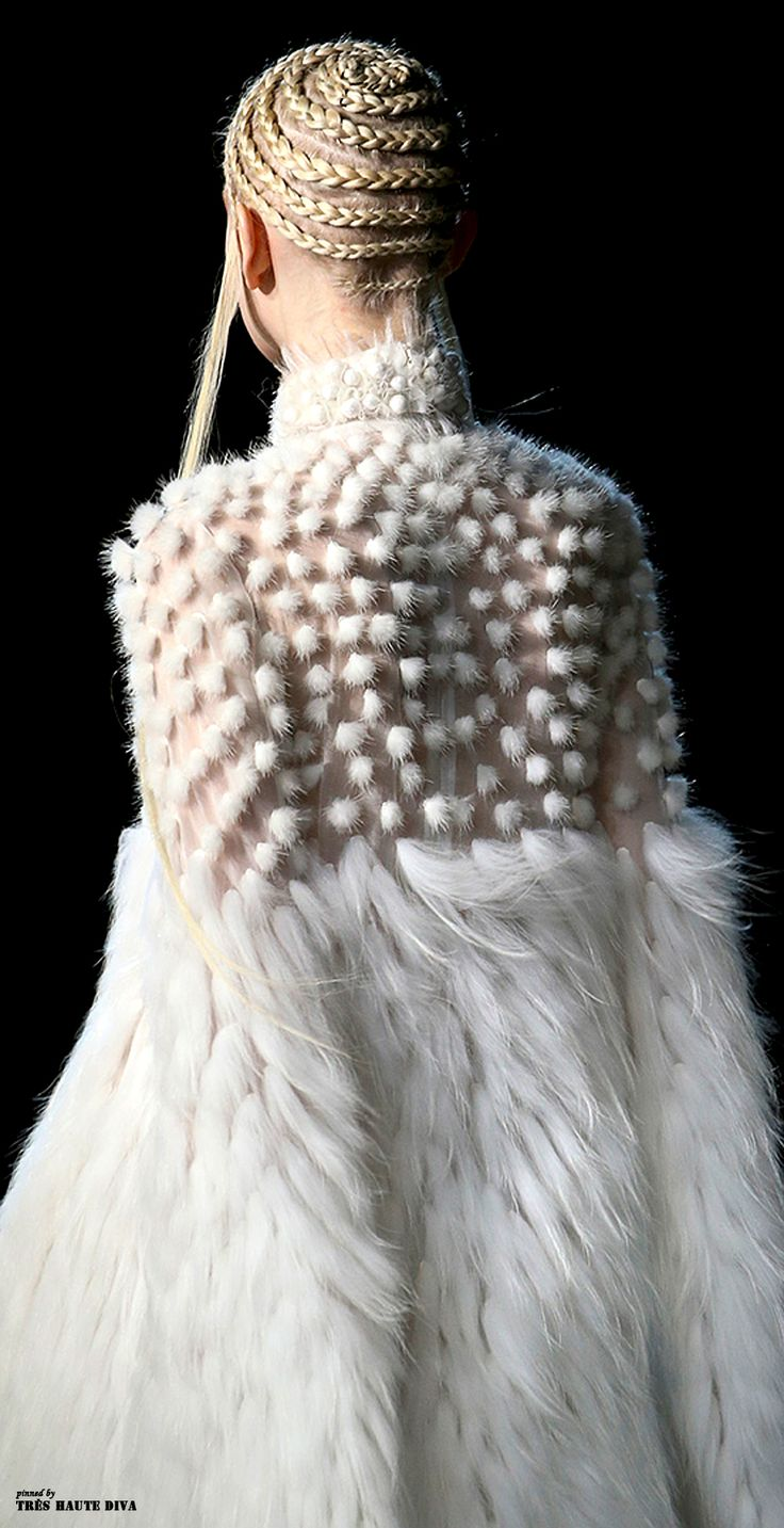 Alexander McQueen Fall/Winter 2014 RTW