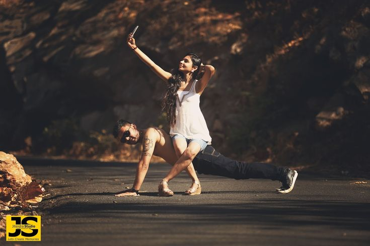A fun idea for your photo shoot!Photo by JS PHOTOGRAPHY, Vadodara #weddingnet #wedding #india #indian #indianwedding    #prewedding #photoshoot #photoset #photographer #photography  #details #sweet #cute #gorgeous #fabulous #couple #hearts #lovestory