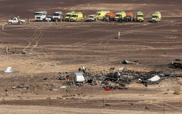 TASS: World - Search operation at the Flight 9268 crash site in Egypt