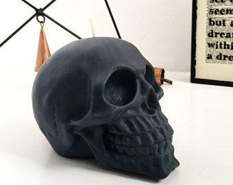 Opaco nero teschio candela - candela di cera di soia - candela Vegan - Scegli tra 20 profumi! Arredamento di cranio / regalo cranio / monocromatico / Gothic / Halloween
