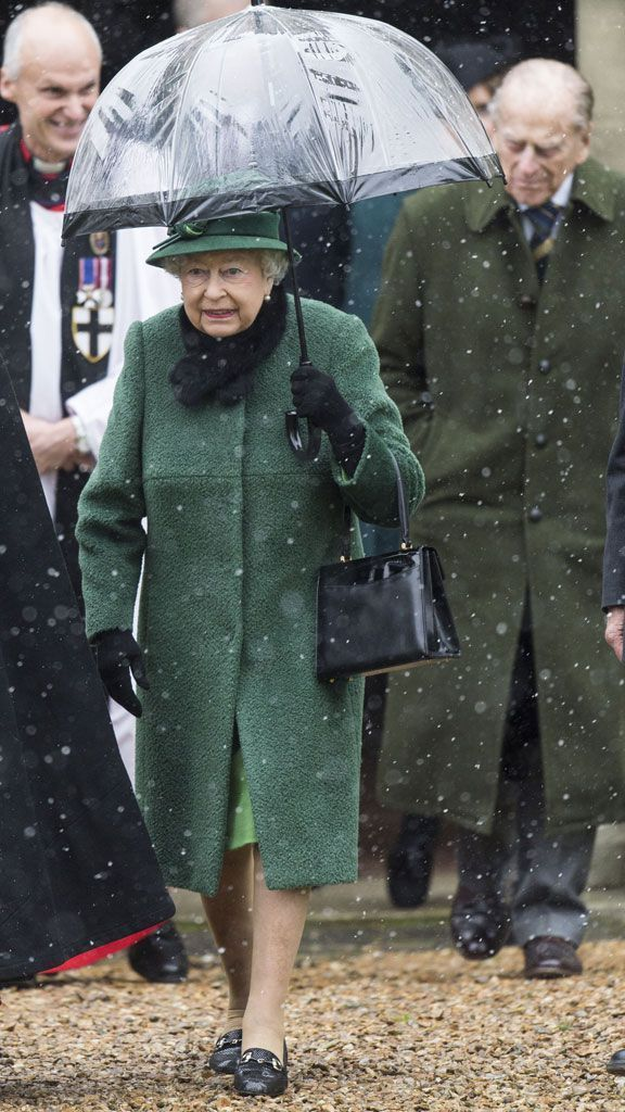 Snow won't keep Queen Elizabeth away from church