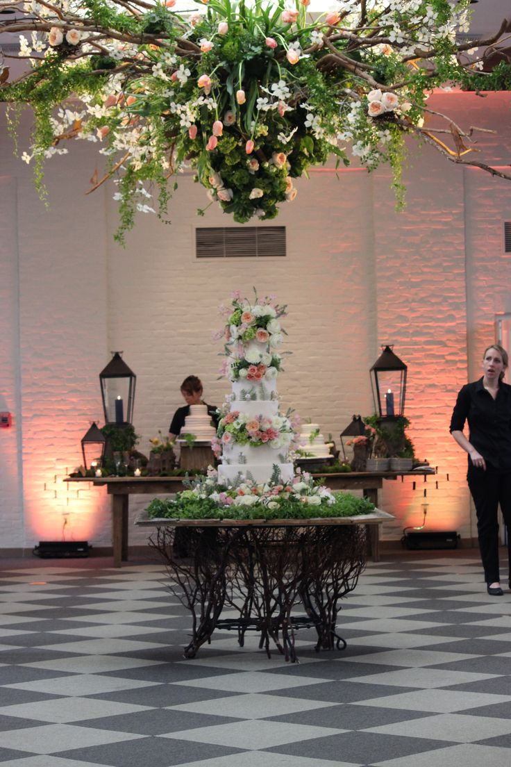 Cake and floral by The Flour Garden and Garden District Memphis