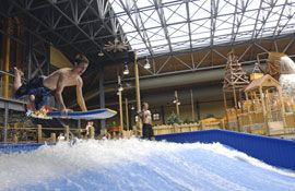 Silver Rapids Water Park at Silver Mountain Resort: Surf indoors at Silver Rapids, the indoor water park.