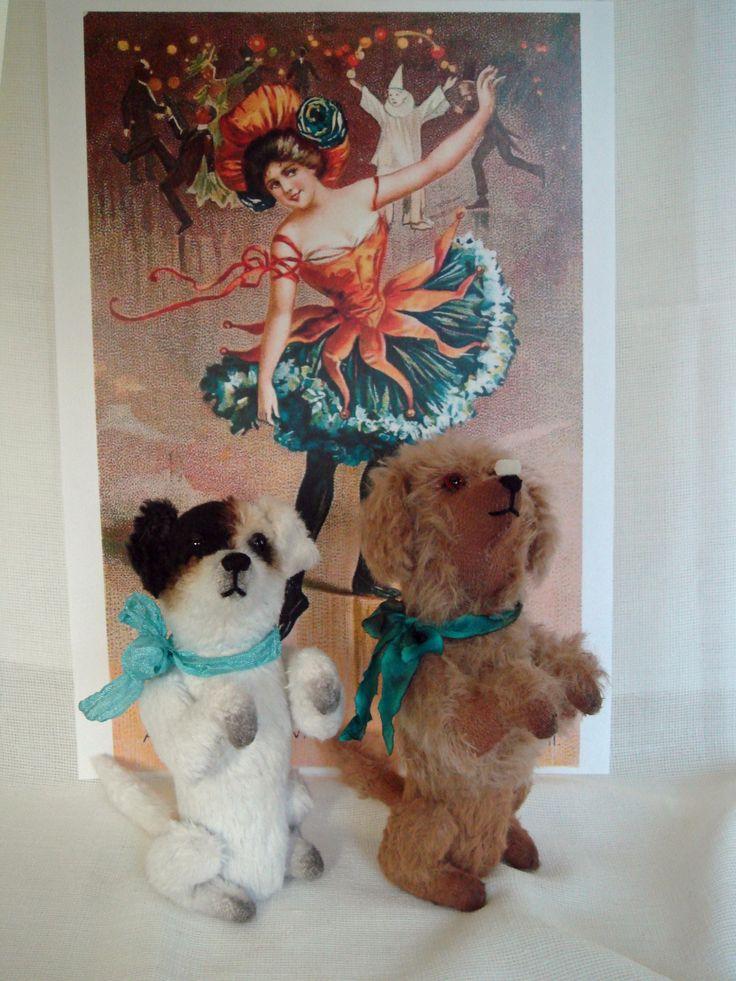 Виктория Лукьянова. Две собачки по восстановленным старинным выкройкам: Джек и Лю-лю.