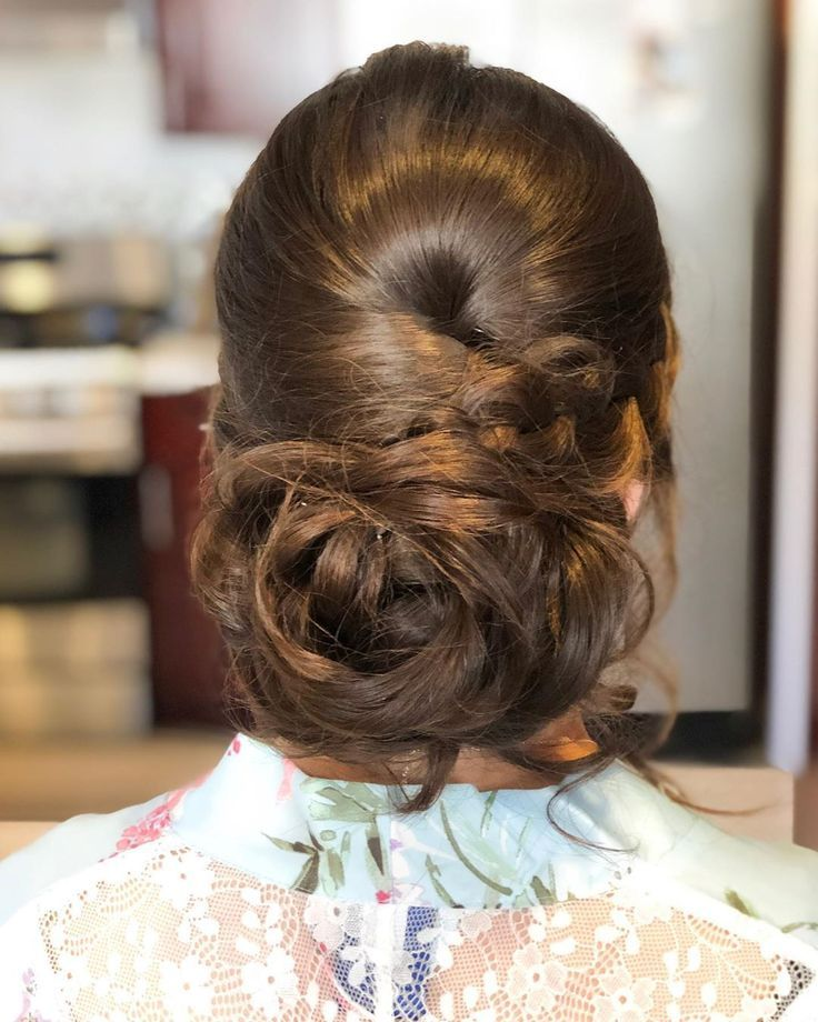 A textured messy do for this bridesmaid for @makeup_by_amys . Great group of girls! . . . #hairmakeupartist #sfmakeupartist #sanfranciscowedding #updo