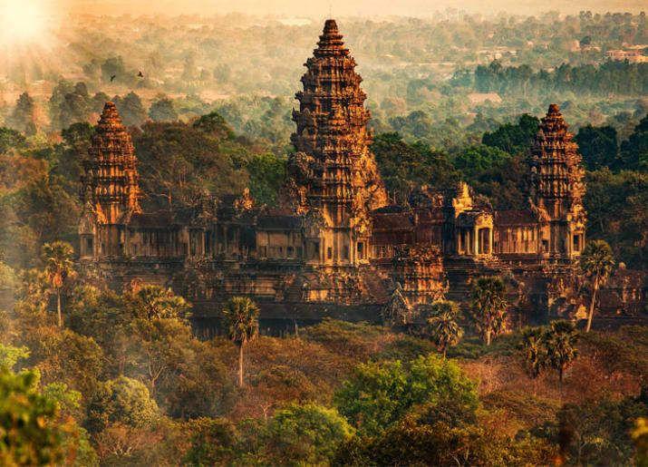 Древние храмы комплекса Ангкор-Ват в Сием-Рипе, Камбоджа