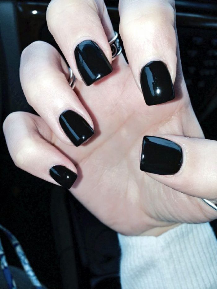 CUTE BLACK ACRYLIC NAIL DESIGNS