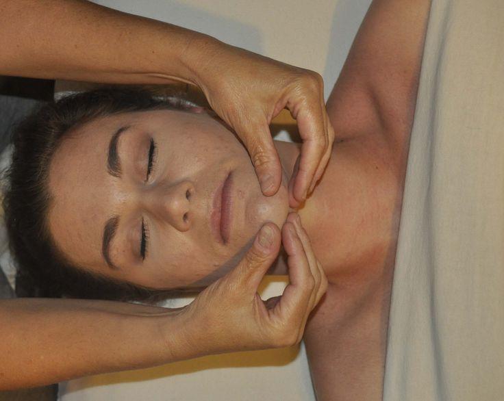 Erotic Homoseksuaaliseen Thai Massage Lomi Lomi Hieronta