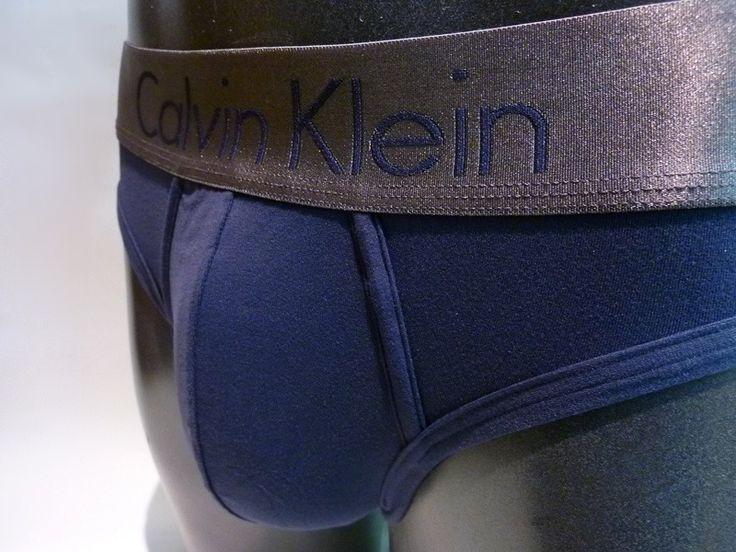Slip Calvin Klein Zinc Azul - U2782A 8SB - Microfibra muy suave al tacto y muy comoda. Tu #ropa interior masculina en Varela Íntimo. #regalos #Navidad http://www.varelaintimo.com/categoria/37/boxers