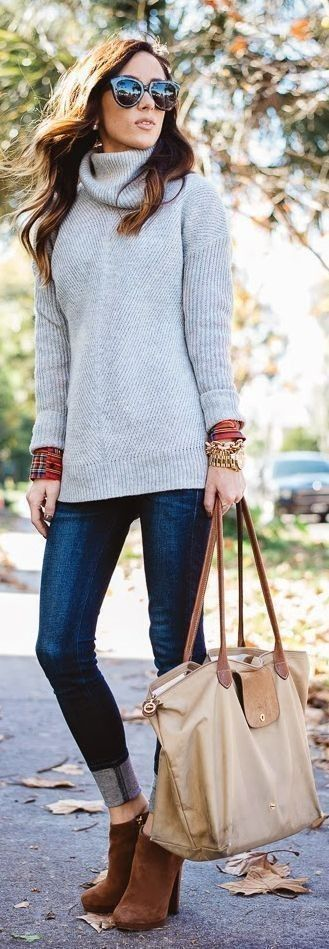 #thanksgiving #outfits Grey Turtleneck Knit // Skinny Jeans // Camel Booties // Beige Tote