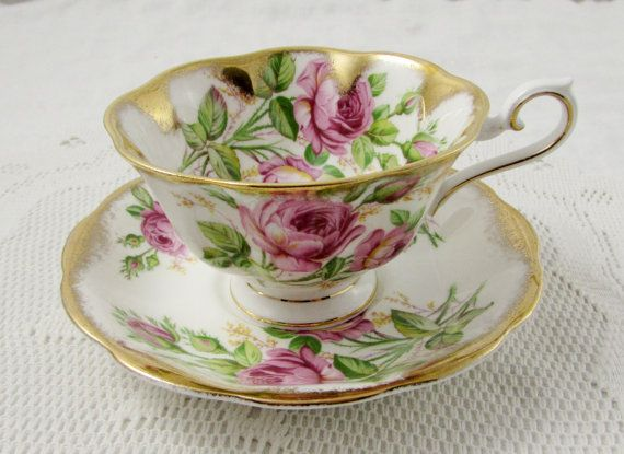Royal Albert Tea Cup and Saucer with Pink Roses and Gold Gilt, Vintage Bone China, Teacup and Saucer Set
