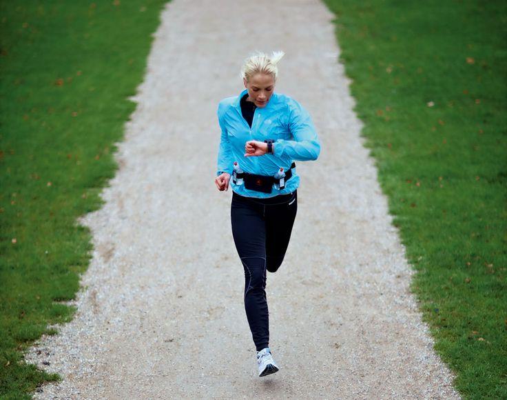 Tillhör du de tiotusentals svenskar som regelbundet springer 5 kilometer? Är du redo för en utmaning? Kolla i det här schemat vad en halvmaraton kräver av dig jämfört med ett 5-kilometerslopp.