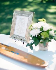 For the couple that loves water skiing: Use pair of vintage water skis to serve as the guest book.
