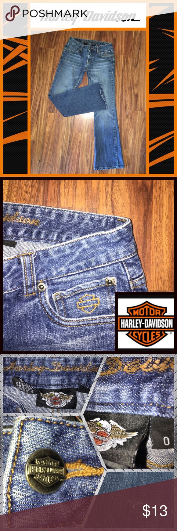 🖤👖Harley Davidson jeans👖🖤 👖Harley Davidson size 0 jeans in great condition🖤Slight Bootcut hem👖Small bleach spot on right leg that is barely visible🖤Embroidered logo detail on back and front pockets👖 Harley-Davidson Jeans Boot Cut