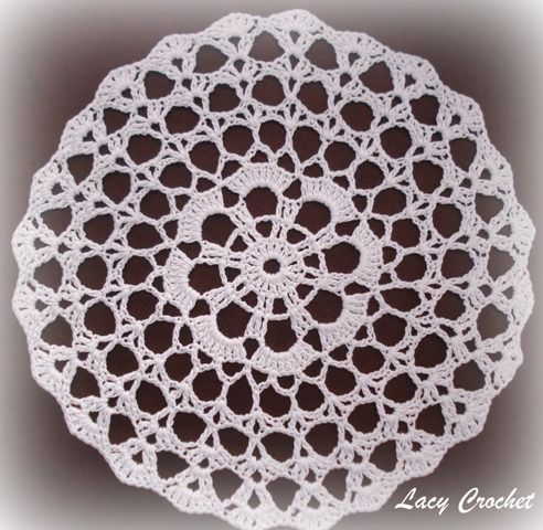 Free Easy Crochet Tablecloth Patterns For Beginners : 1000+ ideas about Crochet Doilies on Pinterest Lace ...