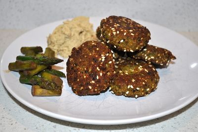 Zucchini and Quinoa Falafels Following a long day of filming in Melbourne, I only had one thing on my mind; a light and healthy meal before my 0400 hotel alarm would wake me from my slumber.