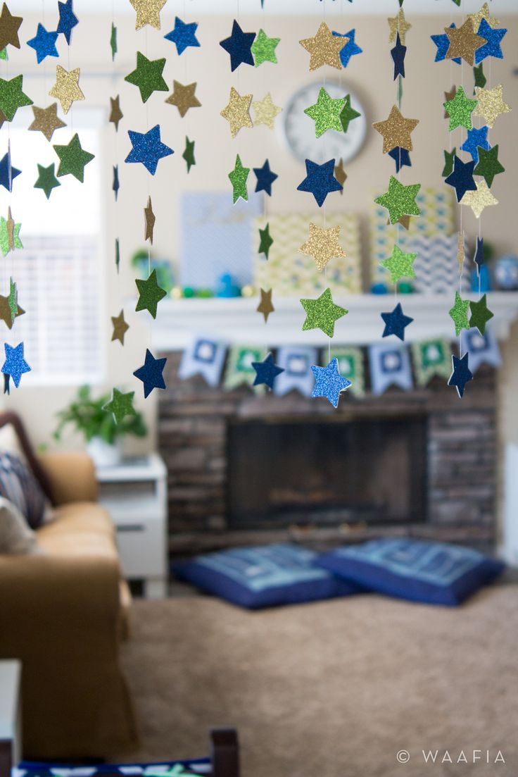 Glitter Star Mobile Hanging Over Table Ramadan Decorations Ramadan Pinterest Star Mobile