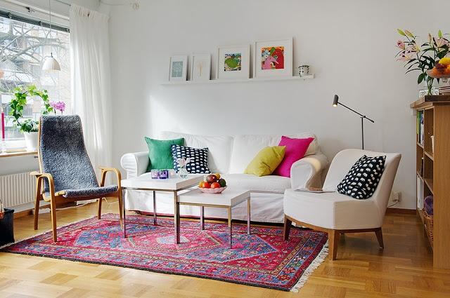 UN APARTAMENTO DE 45M2 MUY BIEN PLANIFICADO | Decorar tu casa es facilisimo.com  Same room, another view...