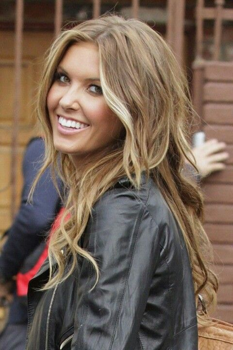 Light Brown Hair With Blonde Highlights Going This Color  Close To My Natur