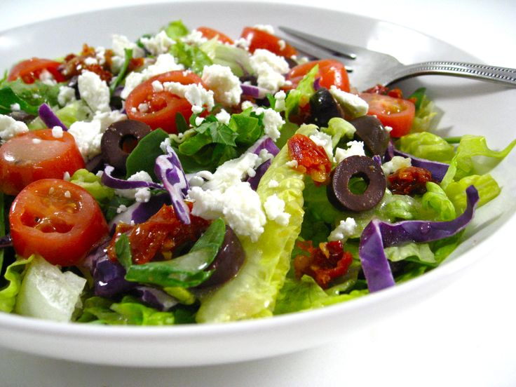 CPK's Delightful Provencal Salad Made Skinny with Weight Watchers Points | Skinny Kitchen