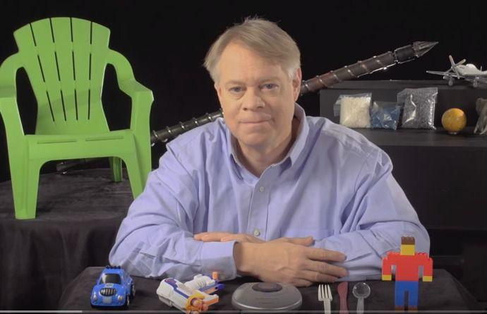 Plastic Injection Molding - YouTube