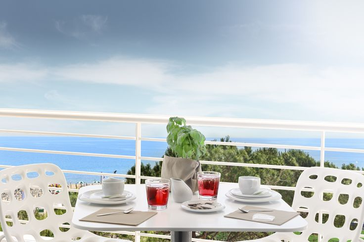 Amazing sea view from the large terraces.