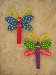 clothes pin and two wooden craft spoons. Super cool for a garden, butterfly, girlie bug themed party. Or just for fun with the kids for a great indoor summer craft when the weather is too wet outside to play in yard.