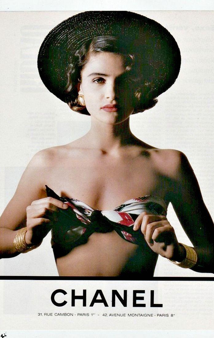 Histoire des foulards Chanel