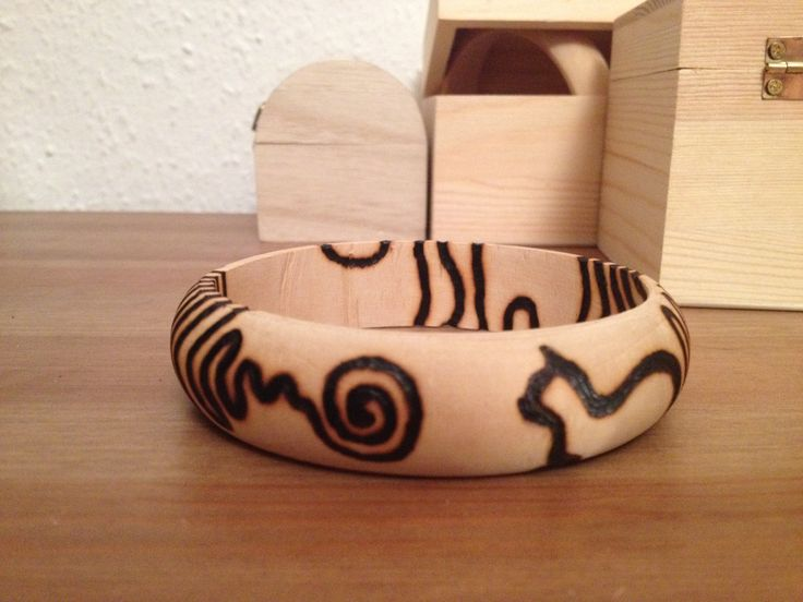 pirography bangle - cat and its tail