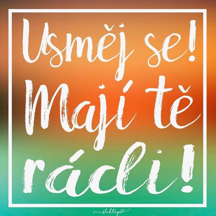 Buďme vděční za všechny ty lidi, kteří nás milují, a jsou k nám laskaví. ☕️ #sloktepo #motivacni #hrnky #milujuho #kafe #krasnyden #citaty #inspirace #dokonalost #dobranalada #domov #darek #stesti #laska #sen #mujsen #mujzivot #mojevolba #originalgift #czech #praha #czechboy #czechgirl #pozitivnimysleni