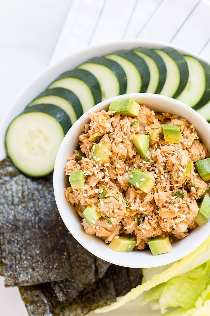 Sayonara boring, bland tuna salad! This sushi roll inspired,no-mayo spicy tuna salad with avocado chunks and crispy seaweed chips is full of bold, Asian flavors and makes for a quick and delicious mealor snack. Far from the boring, bland, mayo-saturated tuna salad that may have haunted you as a child (or is that just me?), …