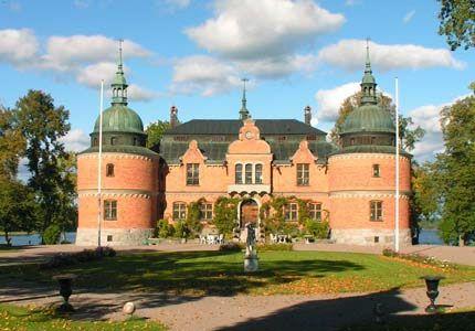 Rockelstad Slott, Sverige