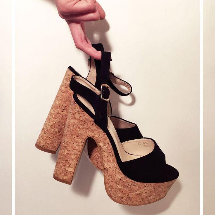 Osez les talons vertigineux pour sortir cette semaine ! #highheels #heels #platform #fashion #style #stylish #love #cute #photooftheday #tall #beauty #beautiful #instafashion #girl #girls #model #shoes #styles #outfit #instaheels #fashionshoes #shoelover #instashoes #highheelshoes #trendy #heelsaddict #loveheels #iloveheels #shoestagram