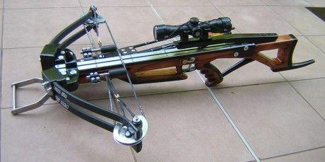Csigás nyilpuska. Compound crossbow