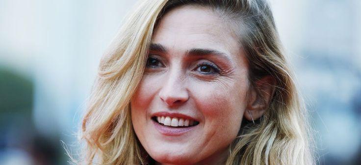 Paris Match : la Une de Julie Gayet bague au doigt irrite l'Élysée